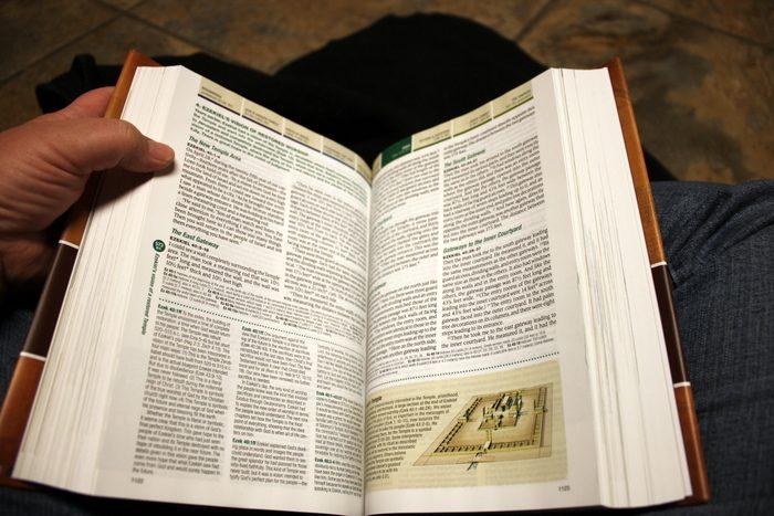 nkjv chronological study bible pdf