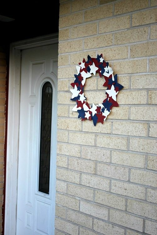 An Easy 4th of July Craft:  Patriotic Wreath