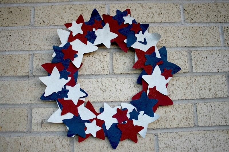 an easy 4th of july craft patriotic wreath sidetracked sarah. Black Bedroom Furniture Sets. Home Design Ideas