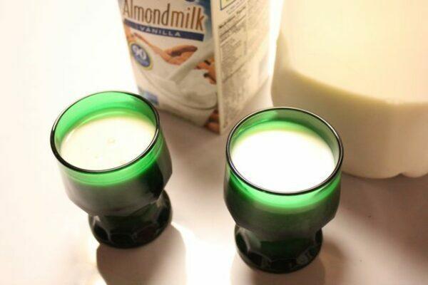 Milk & Almondmilk